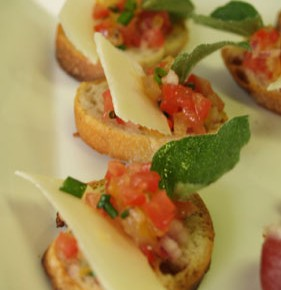 Mini Bruschetta  (Baguette with a tomato dressing)