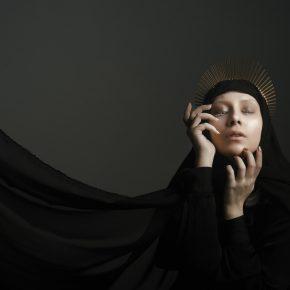 M_W50_Queen of Darkness - S+ónziana R-âchi+øeanu - Romania